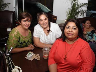 Rosal Carrasco, Maricela Escobedo y Alma Álvarez.