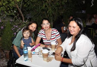 Dora, Maricela, Mía y Zalma.