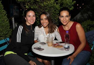 Alejandra, Olivia y Jennifer.