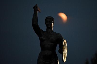 Reaparece la 'luna de sangre' con el eclipse