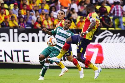 Santos Laguna no pudo contra Monarcas.