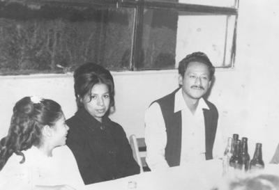 29072018 María de la Luz Trejo Velázquez, Conchita Ramírez Alemán y Juan Manuel Velázquez González (f), en 1975.