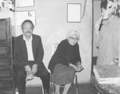29072018 Sr. José Ángel Velázquez (f) con su tía, Francisca Ramos (f), en 1990.