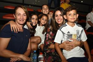 29072018 FELICES.  Celina, Güera, Victoria, Roberto, Paula y Valentina.