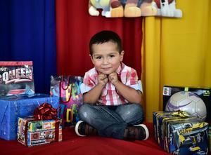 28072018 Héctor Eduardo Montoya González fue festejado con una divertida piñata, ya que celebró sus 3 años de vida.