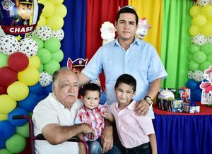 28072018 3ra. generación conformada por su abuelo, Sr. Romualdo Montoya, Carlos Montoya, Héctor y su hermano, Carlos Montoya.