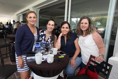 Carola Porras, Paulina de la Parra, Gisela Gutiérrez y Marcela Gutiérrez.