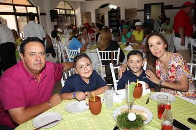 Familia Pacheco Briones.
