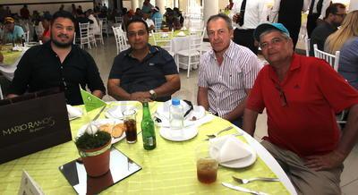 Manuel, Alfredo, Miguel y Erick.