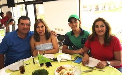Familias Macías Carreón Ponce Jiménez.