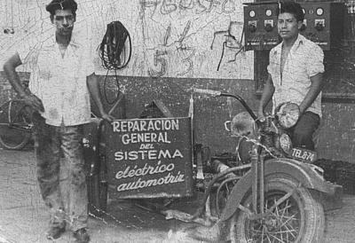 05082018 José Trujillo Gutiérrez y Max, foto tomada el 11 de agosto de 1953.