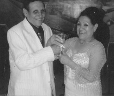 05082018 Prof. José Luis Gómez Esparza y Sra. Ma. Alicia Acosta de Gómez en su aniversario de bodas. Contrajeron nupcias en 1973 en la Parroquia de Guadalupe en Bermejillo.