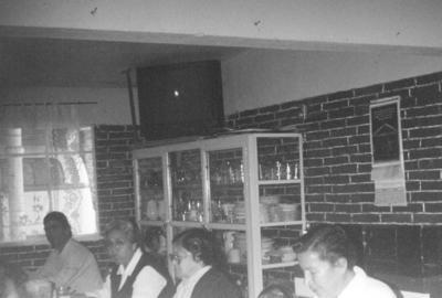05082018 Sra. Socorro con su nieto, Alberto, en el Senado Baja California en los 80. Jesusita y sus amigas y nieto en México