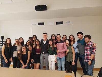 09082018 En las instalaciones de la empresa Lob junto al director, Marco Moreno, y los alumnos del Semestre i.