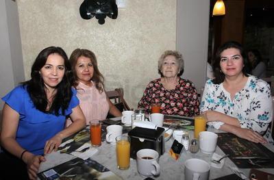 Flor, Lorena, Lucy y Liliana.
