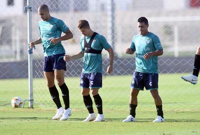 El brasileño Dória, reciente contratación, ya entrena al parejo del club.