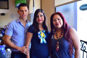 03082018 BABY SHOWER.   Juan, Shaila y Adriana.