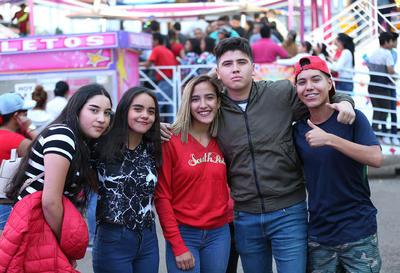 Luis Pablo,Raúl, Priscila, Eliza y Evelyn.