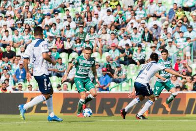 Santos arrancó de manera agresiva.