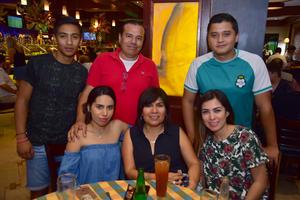 06082018 GRATOS MOMENTOS.  Cuauhtémoc, Armando, Héctor, Samantha, Sara Emilia y Sara.