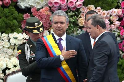 El abogado Iván Duque juró hoy como presidente de Colombia para el periodo 2018-2022 en una ceremonia que se celebra en la Plaza de Bolívar, en el centro de Bogotá.