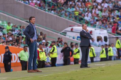 Anoche ante Celaya, Siboldi dirigió su último partido al frente de Santos.