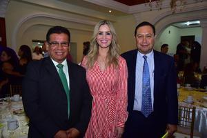 09082018 DíA DEL ABOGADO.  Enrique, Doris y Francisco.