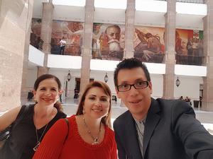 09082018 EN EL PALACIO DE GOBIERNO.  Carolina Castelán, Cintya Rodríguez y Pineda Damián.