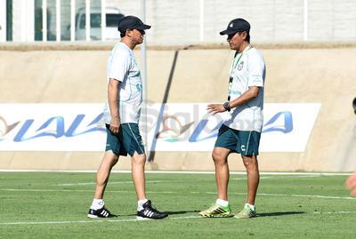 Salvador Reyes se incorpora a Santos Laguna como Director Técnico.