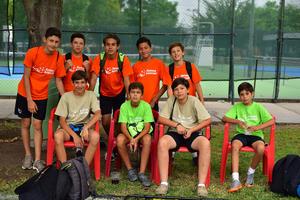 10082018 DISFRUTAN SUS VACACIONES.  Asistentes al curso de verano Forma Soccer.
