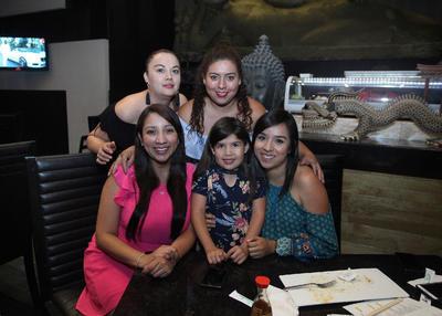 Mariana, Ileana, Maricela, Gris y Paulina.