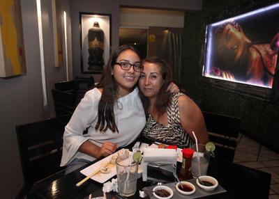 Ximena Herrera y Minerva Soto.