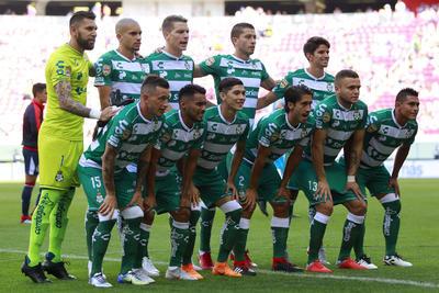 Santos logra imponerse ante Chivas