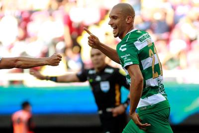El recién llegado Matheus  Doria se estrenó como goleador.