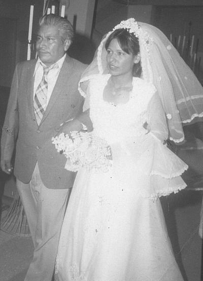 12082018 Beatriz Trujillo Macías acompañada de su papá, Sr. José Trujillo Gutiérrez, el día de su boda..