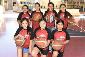 11082018 MUY CONTENTAS.  Regina, Yaretzi, Victoria, Leslie, Ángela, Romina y Sonia.