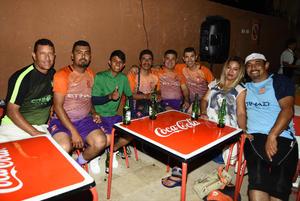 11082018 AMIGOS.  Miguel, Marco, Carlos, José, Marco, César, Esmeralda y Nacho.