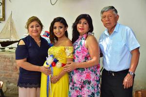 11082018 BRUNCH PRENATAL.  Angélica con Mayela, Sandra y Javier Corpus.