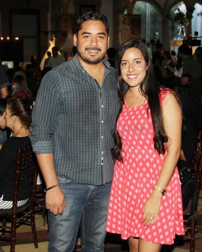 Gerardo de la Cruz y Fernanda García.