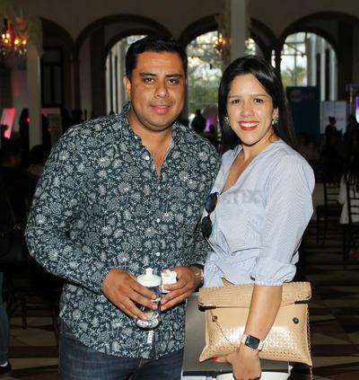 Rubén Ceniceros y Pamela García.