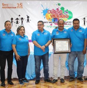 14082018 APOYO A DEPORTISTAS.  Jorge A. Salcido recibe reconocimiento.