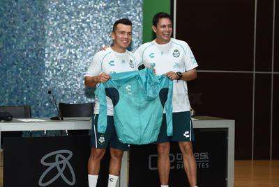 Rodríguez recientemente se retiro como futbolista profesional.