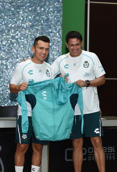 """El """"Chato"""" es el jugador con más partidos en Santos Laguna."""