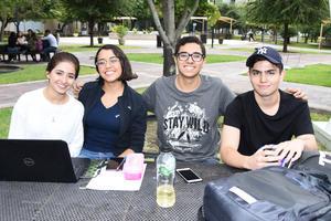 16082018 Ana Patricia, Jimena, Eduardo y Santiago.