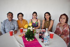 16082018 EN FESTEJO.  Manuel, Rosa Alicia, Esthela, Cristina y Carmen.