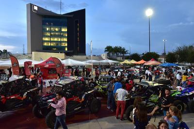 Centenares de personas que llegaron a la ciudad para ser partícipes de este evento que se disputará a lo largo del fin de semana.