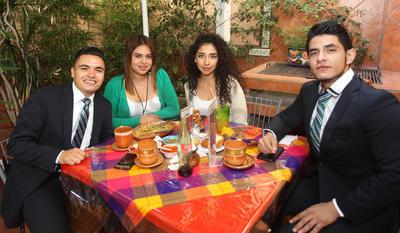 León, Adriana, Sheila y Enrique.