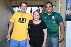 18082018 Norma, Eduardo y Layla.