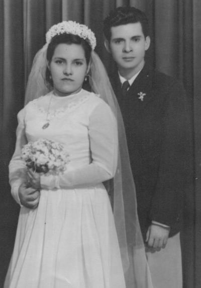 19082018 María Carranza y Raúl Ibáñez el día de su matrimonio en 1977.