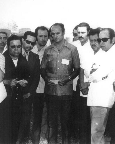 19082018 En la década de los 70, el Arq. Antonio Calzada visitó la ciudad de Torreón. Lo acompañan, Carlos Robles, Jesús Reyes, José Solís y Mariano López.